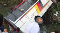 Bus rombongan membawa pejabat Agam, Sumbar masuk jurang-halonusa-kotanopan