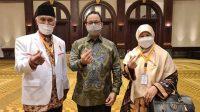 Gubernur Sumbar Mahyeldi (kiri), Gubernur DKI Jakarta Anies Baswedan (tengah) dan Harneli Bahar (kanan).