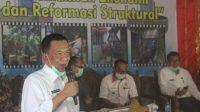 Bupati Pesisir Selatan Sumatera Barat, Rusma Yul Anwar saat membuka resmi Musrembang RKPD di Kecamatan Ranah Pesisir, Rabu (3/3/2021)
