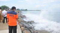 Pembangunan tanggul laut di pantai Padang diyakini dapat meminimalisir abrasi pantai-halonusa-BNPB-See Wall