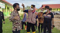 Gubernur Sumatera Barat, Mahyeldi bersama Kadisdik Sumbar, Adib Alfikri saat meninjau SMKN 1 Ranah Ampek Hulu Tapan, Pesisir Selatan - Halonusa