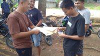Pemuda Peduli Koperasi Sawit Datuak Nan Sambilan melakukan penggalangan dana, menyambangi masyarakat, Selasa (11/5//2021).