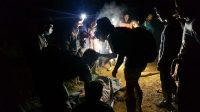Sembilan penambang emas yang meninggal dunia di tambang emas di Timbahan, Nagari Abai, Kecamatan Sangir Batang Hari, Kabupaen Solok Selatan (Solsel), Sumatera Barat (Sumbar) berhasil dievakuasi, Selasa malam (11/5/2021).