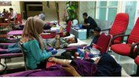 Dokumentasi donor darah yang digelar KSR PMI Unit UBH Proklamator bersama komunitas paguyuban Nias di Kota Padang, Sumatera Barat (1)