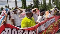Pedagang UMKM Sumatera Barat Tolak Nagari Mart ala Alfamart di Sumatera Barat