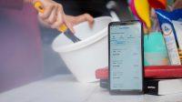 Telkomsel dan Gojek kembali melanjutkan kolaborasi dengan menghadirkan Paket Data Telkomsel khusus bagi mitra UMKM GoFood dengan pilihan harga mulai dari Rp25.000 bonus kuota data, nelpon, dan SMS ke sesama nomor Telkomsel. Paket ini dapat diakses dengan mudah melalui Aplikasi MyTelkomsel atau UMB *168*444#. | Telkomsel/Halonusa