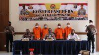 4 Pelaku penyalahgunaan narkotika yang ditangkap oleh Polres Bukittinggi sepanjang Rabu hingga Jumat (18-20/8/2021). (Foto: Dok. Humas Polres Bukittinggi)