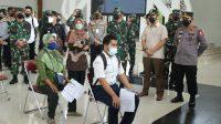 Kapolri, Jenderal Listyo Sigit Prabowo saat meninjau vaksin di Kulonprogo, DIY. (Foto: Dok. Divisi Humas Polri)