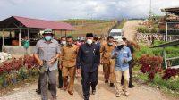 Gubernur Sumbar Mahyeldi saat meninjau kawasan wisata Sirukam, Kabupaten Solok, Selasa (24/8/2021).