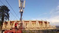 Telkomsel melakukan peningkatan kualitas dan kapasitas jaringan infrastruktur telekomunikasi mulai dari penambahan Base Transceiver Station (BTS), penambahan Compact Mobile BTS (COMBAT), hingga penyediaan Support Catu Daya (SCD) Mobile untuk memastikan keandalan komunikasi selama PON XX Papua 2021 berlangsung, serta menghadirkan 'Telkomsel 5G Experience Center' di Stadion Lucas Enembe.