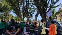 BEM se Sumatera Barat serbu kantor gubernuran, Jalan Jenderal Sudirman, Padang, minta Mahyeldi dan Audy evaluasi penanangan COvid-19 di SUmbar