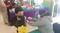 Peserta vaksin Covid-19 tahap kedua di Kecamatan Lubuk Begalung. (Foto: Dok. Istimewa)