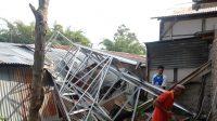 Kondisi bak air yang pecah di Masjid Al Muttaqin Pampangan dan menimpa sejumlah rumah warga. (Foto: Dok. Istimewa)