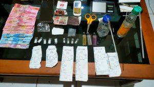 Sejumlah barang bukti (BB) narkoba yang disita polisi dari dua warga Talamau, Kabupaten Pasaman Barat (Pasbar). (Foto: Dok. Polres Pasaman Barat)