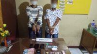 Dua warga Agam yang ditangkap polisi di Pariaman karena bertransaksi narkoba. (Foto: Dok. Polres Pariaman)