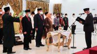 Gubernur Mahyeldi melantik tiga pejabat di lingkungan Pemerintah Provinsi Sumatera Barat (Sumbar), di Auditorium Gubernuran, Jumat (1/10/2021) sore.