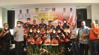 Sejumlah atlet dan tim pelatih Forki Sumbar yang dilepas ke PON XX Papua. (Foto: Dok. Istimewa)