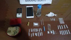 Barang bukti (BB) sabu-sabu yang disita polisi dari M alias Mak Dang. (Foto: Dok. Polres Pariaman)