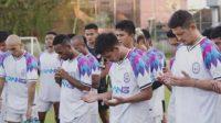 Rans Cilegon FC berdoa sebelum bertanding melawan Badak Lampung FC [Instagram info.ranscilegon.fc]