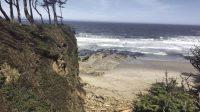 Saat laut naik, gelombang diperkirakan akan meningkat di sepanjang pantai, yang dapat dengan cepat mengubah pantai yang kita semua nikmati. Setiap gelombang menggerakkan sedimen dan mengubah masyarakat pesisir. David Rupkalvis / Dunia
